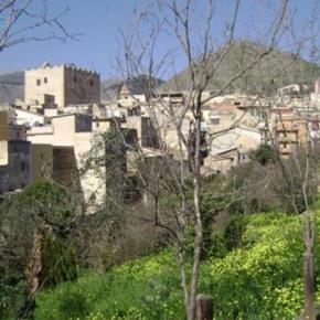 Hostales y Albergues - Ariosto 24