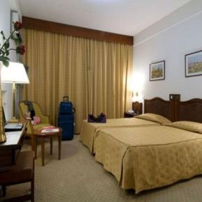 Hostales y Albergues - Hotel Regina
