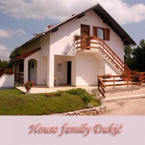 Hostales y Albergues - House Family Dukic
