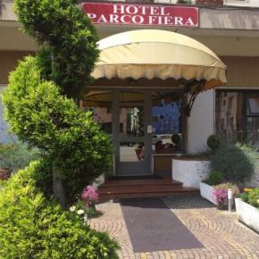 Hostales y Albergues - Hotel Parco Fiera