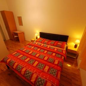 Hostales y Albergues - Hostal  Split backpackers
