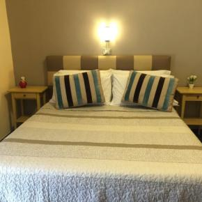 Hostales y Albergues - Hostel H24