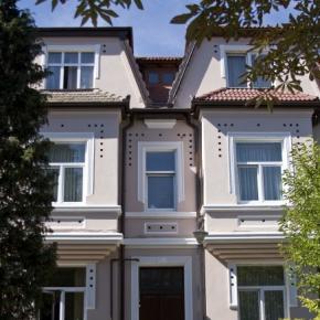 Hostales y Albergues - Residence Ambient