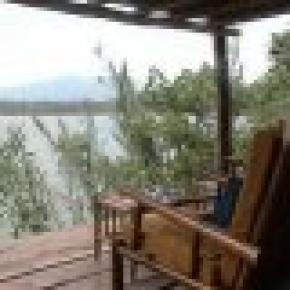The Babogaya Lake Viewpoint Lodge