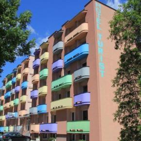 Hostales y Albergues - Hotel Turist