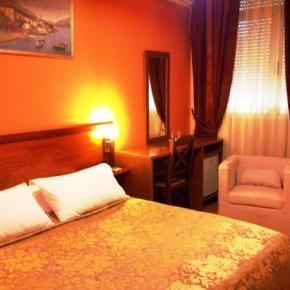 Hostales Baratos - Hotel Nobel Tirana