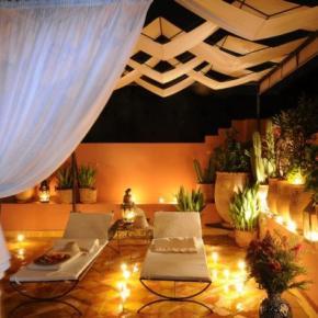 Hostales y Albergues - Maison Arabo-Andalouse