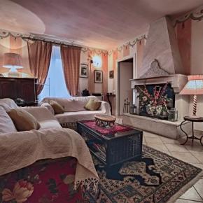 Hostales y Albergues - Villa Sobrano