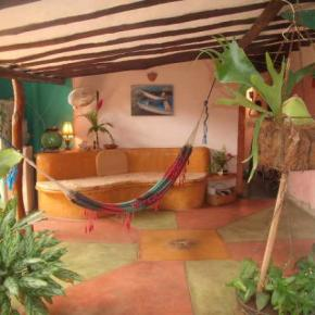 Hostales y Albergues - Los Mangos Bed & Breakfast