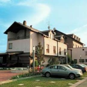 Hostales y Albergues - Hotel Delminium