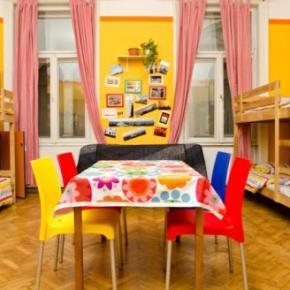 Hostales y Albergues - Hostal Colors Budapest  and Apartment