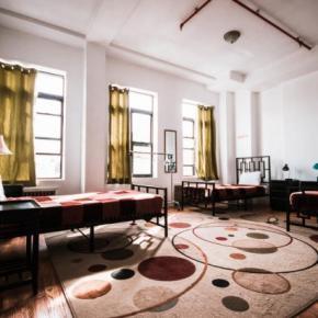 Hostales y Albergues - Hostal NY Moore