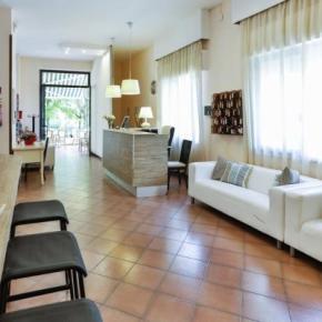 Hostales y Albergues - Avana Mare