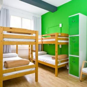 Hostales y Albergues - Hostal Madrid Motion