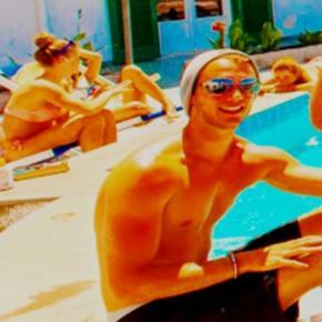 Hostales y Albergues - Hostal Paradise Beach