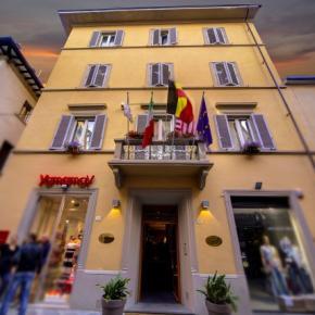 Hostales y Albergues - Hotel Aretino