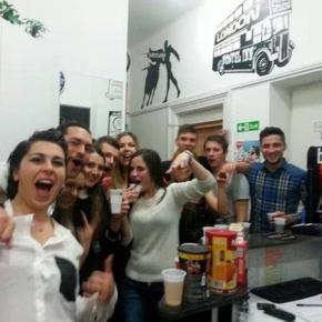 Hostales y Albergues - Hostal  Check Inn