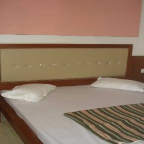 Hostales y Albergues - Hotel S.B.INN