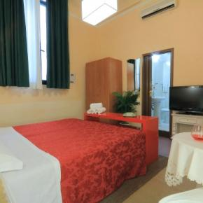 Hostales y Albergues - Hotel Toscana Firenze