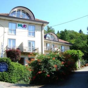 Hostales y Albergues - Hotel Santa Caterina