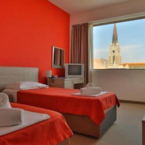 Hostales y Albergues - Putnik Hotel