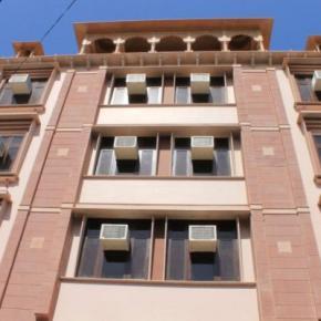 Hostales y Albergues - Hotel Ramsingh Palace