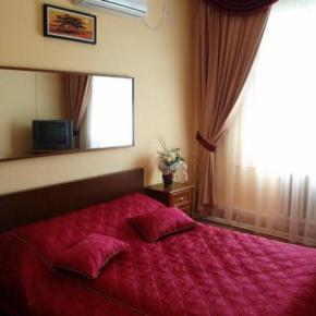 Hostales y Albergues - Yal Hotel