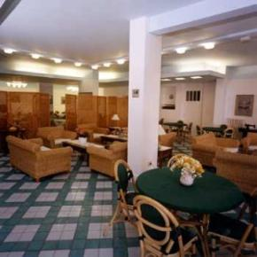 Hostales y Albergues - Baia Hotel Marina Di Puolo