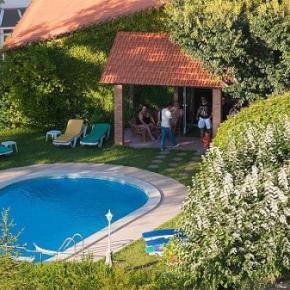 Hostales y Albergues - Alegre Hotel