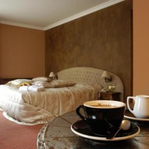 Hostales y Albergues - Meg-Lozenetz Hotel
