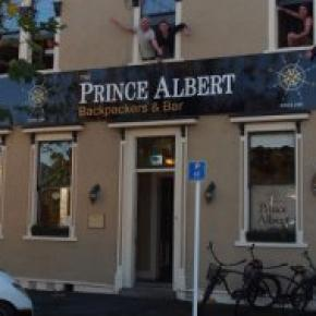 Hostales y Albergues - The Prince Albert Backpackers & Bar