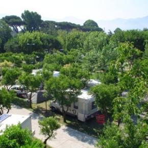 Hostales y Albergues - Camping Zeus Hostel