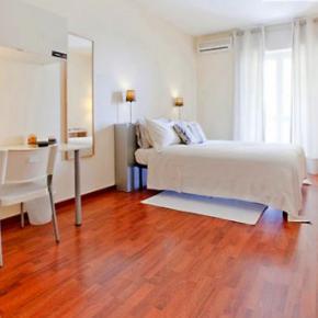 Hostales y Albergues - Rooms Rent Vesuvio Bed and Breakfast