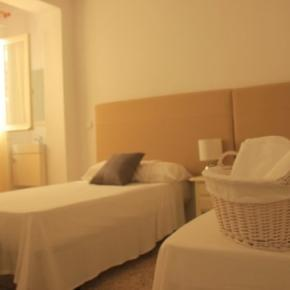 Hostales y Albergues - InHouse Marbella