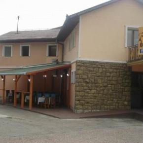 Hostales y Albergues - Ortodox Motel