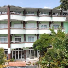 Hostales y Albergues - Hotel Hoti