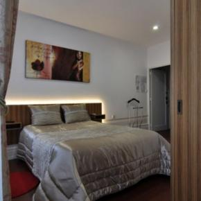 Hostales y Albergues - Residencial Porto Madrid