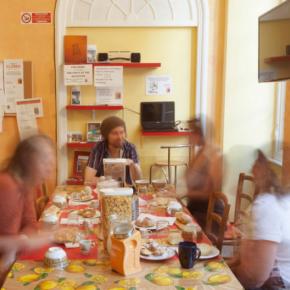 Hostales y Albergues - Hostal Manena  Genoa