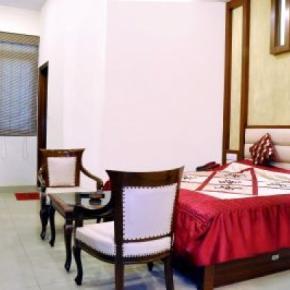 Hostales y Albergues - Hotel Rama Inn