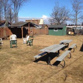 Hostales y Albergues - Base Camp Anchorage