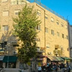 Hostales y Albergues - Palatin Hotel