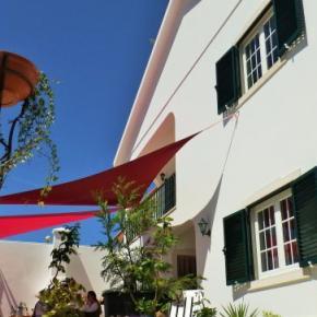 Hostales y Albergues - Omassim Guest House