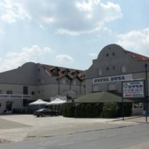 Hostales y Albergues - Duga Hotel