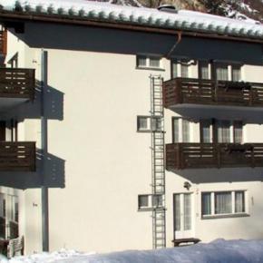 Hostales y Albergues - Matterhorn Golf Hotel