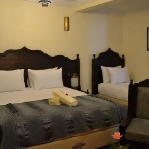 Hostales y Albergues - Hotel Riad Benatar