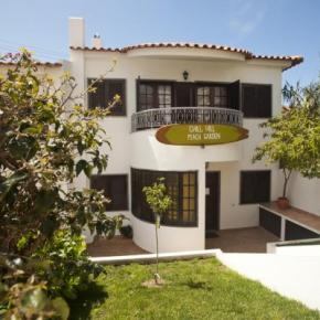 Hostales y Albergues - Hostal Ericeira Chill Hill  and Private Rooms  - Peach Garden