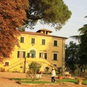 Hostales y Albergues - Hotel Villa Belvedere