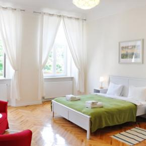 Hostales y Albergues - On The Square Guesthouse