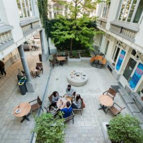 Hostales y Albergues - Hostal Jacques Brel