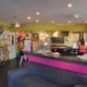Ocean Island Inn Backpackers Suites